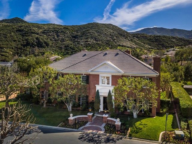 Thousand Oaks                                                                      , CA - $3,995,000