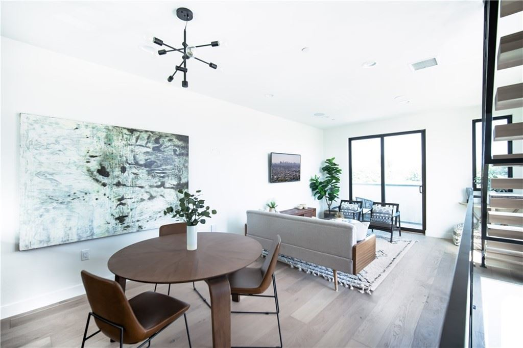 Property Image Of 6348 Bakman Avenue In North Hollywood, Ca