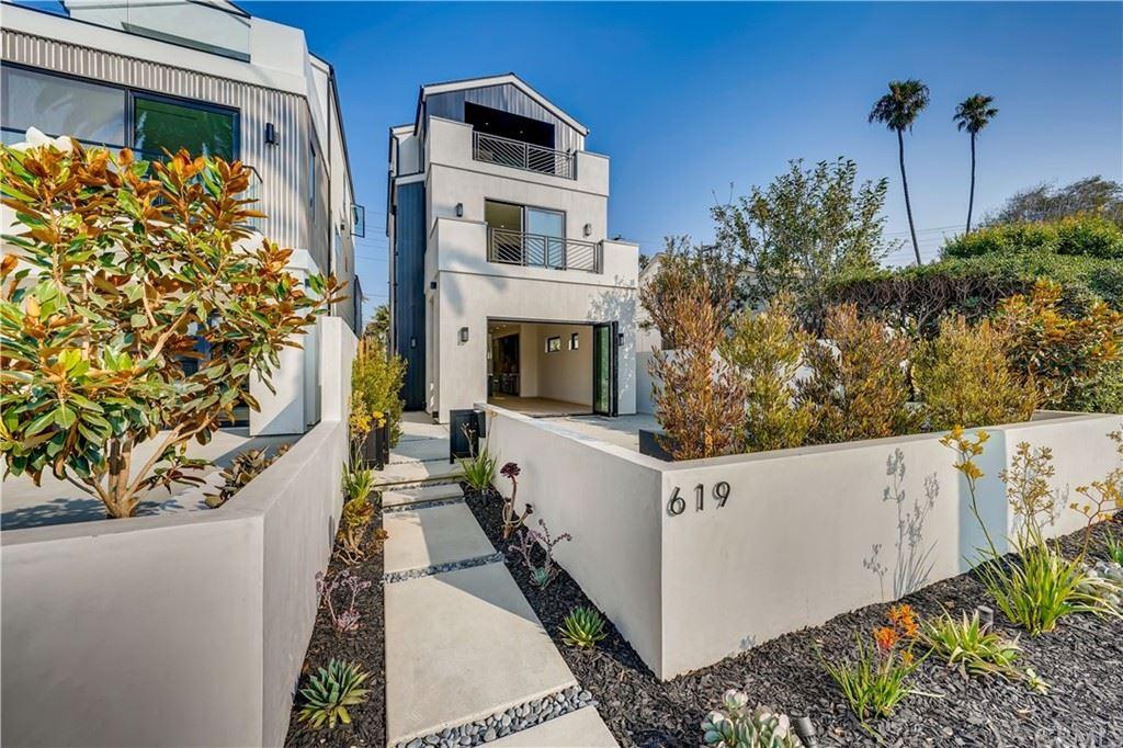 Huntington Beach                                                                      , CA - $2,499,900