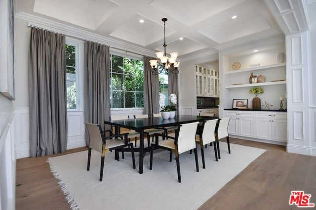 Property Image Of 4726 Beck Avenue In Valley Village, Ca