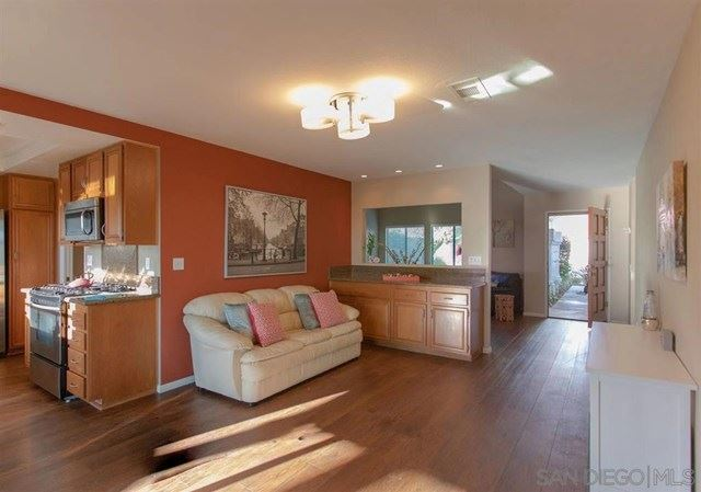 Property Image Of 10976 Elderwood Court In San Diego, Ca