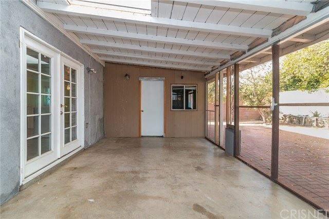 Property Image Of 23025 Cohasset Street In West Hills, Ca
