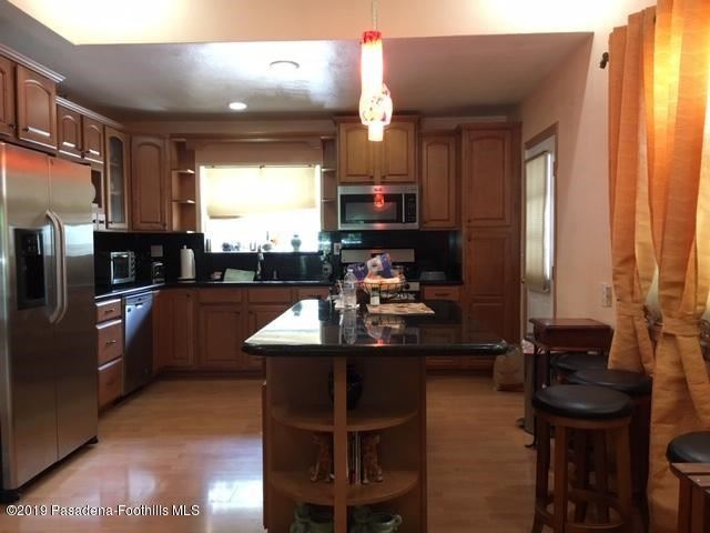 Property Image Of 12807 Chandler Boulevard In Valley Village, Ca