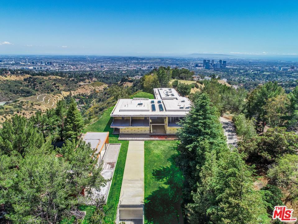 Beverly Hills                                                                      , CA - $39,700,000