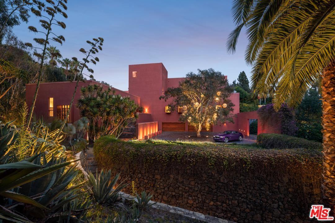 Los Angeles                                                                      , CA - $77,500,000
