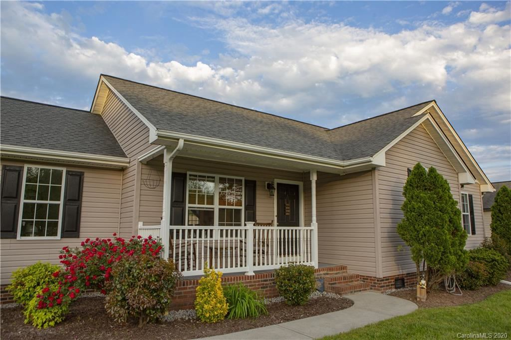 Property Image Of 1795 Riverstone Drive In Lincolnton, Nc