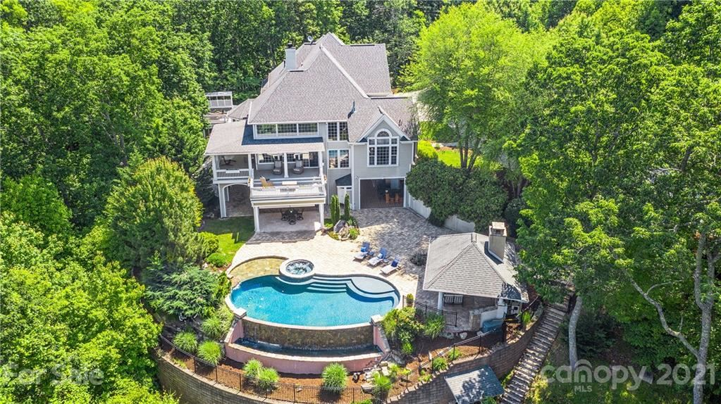 Property Image Of 38 Hearthstone Drive In Asheville, Nc