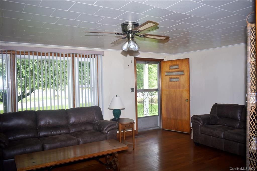 Property Image Of 916 Allens Creek Road In Waynesville, Nc