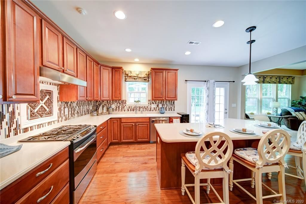 Property Image Of 16222 Autumn Cove Lane In Huntersville, Nc