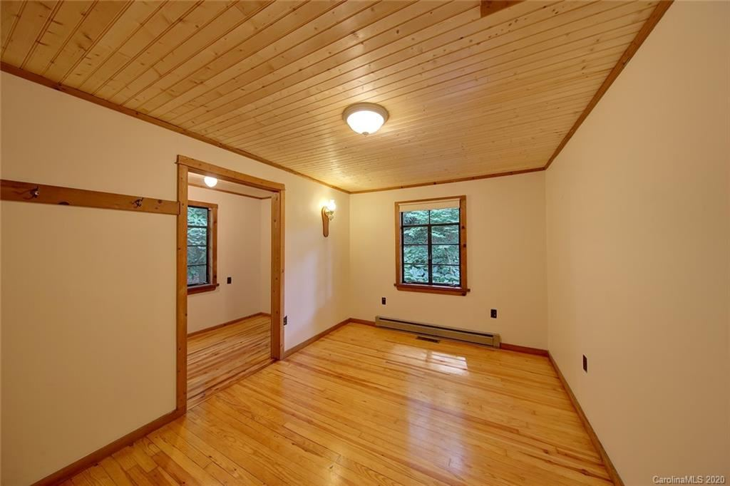 Property Image Of 16 Dyer Drive In Black Mountain, Nc