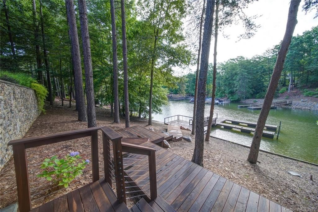 Property Image Of 2164 Capes Cove Drive In Sherrills Ford, Nc