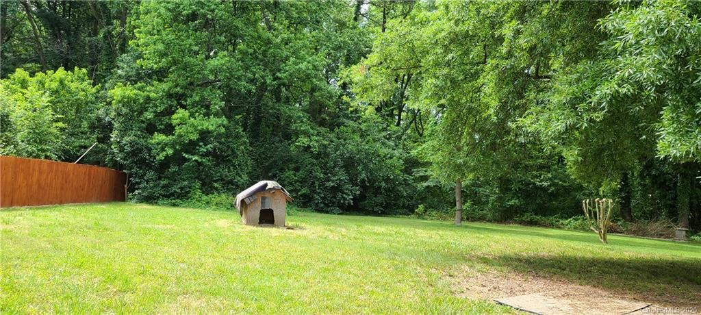 Property Image Of 1009 Bramble Place In Charlotte, Nc