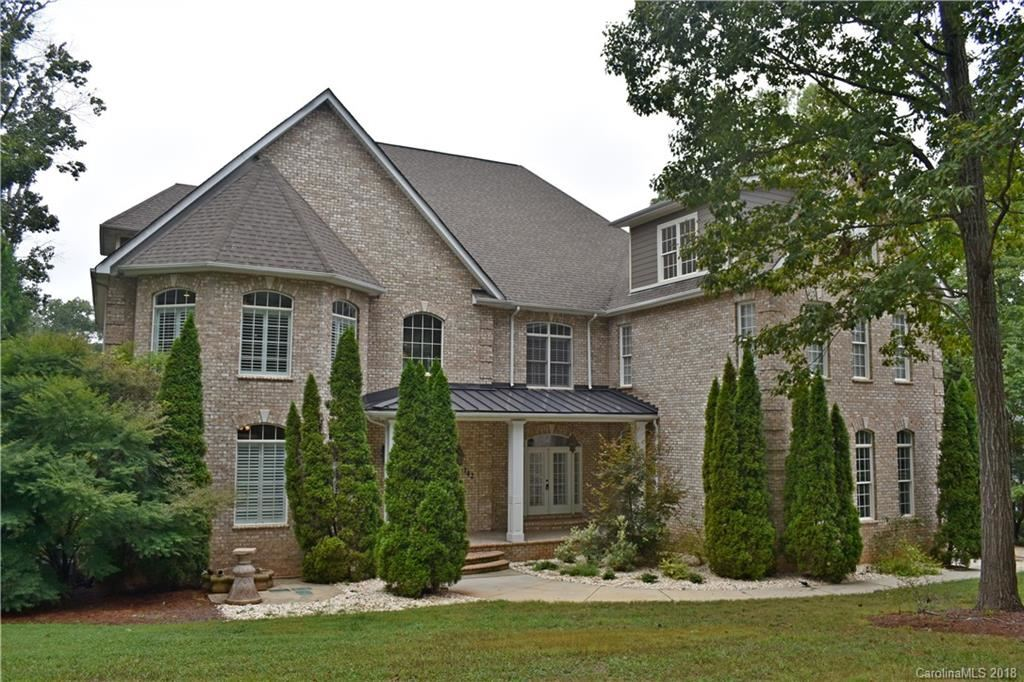 Property Image Of 142 Oasis Drive In Mooresville, Nc