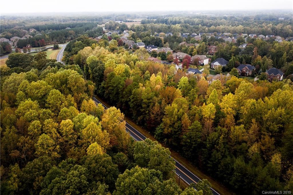 Property Image Of 0123 Forest Lawn Drive In Matthews, Nc