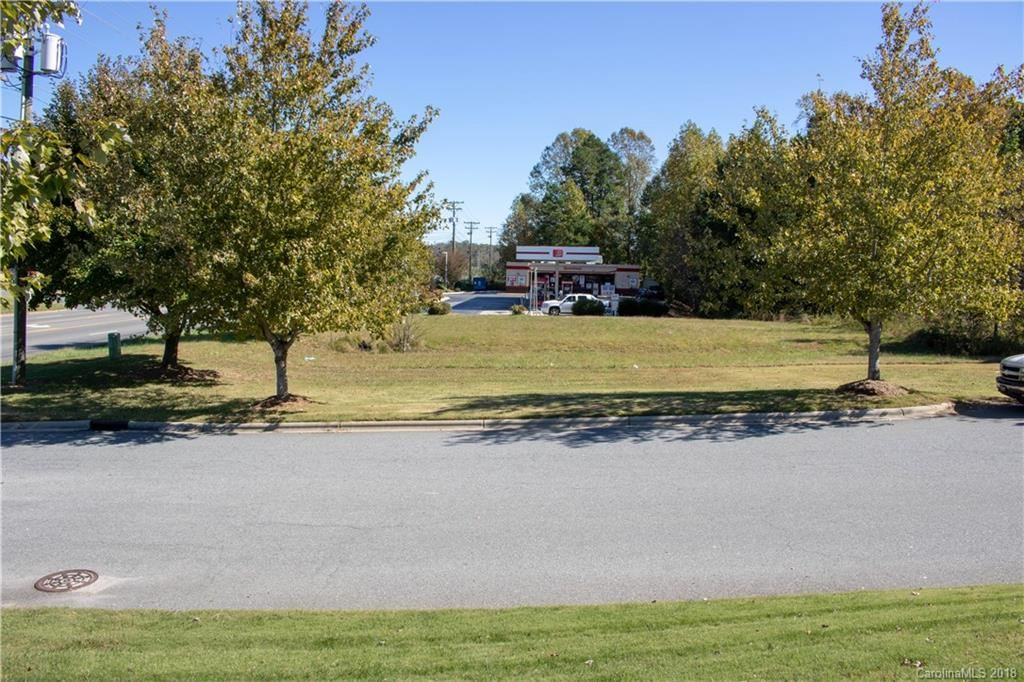 Property Image Of 128 E Plaza Drive #4A In Mooresville, Nc