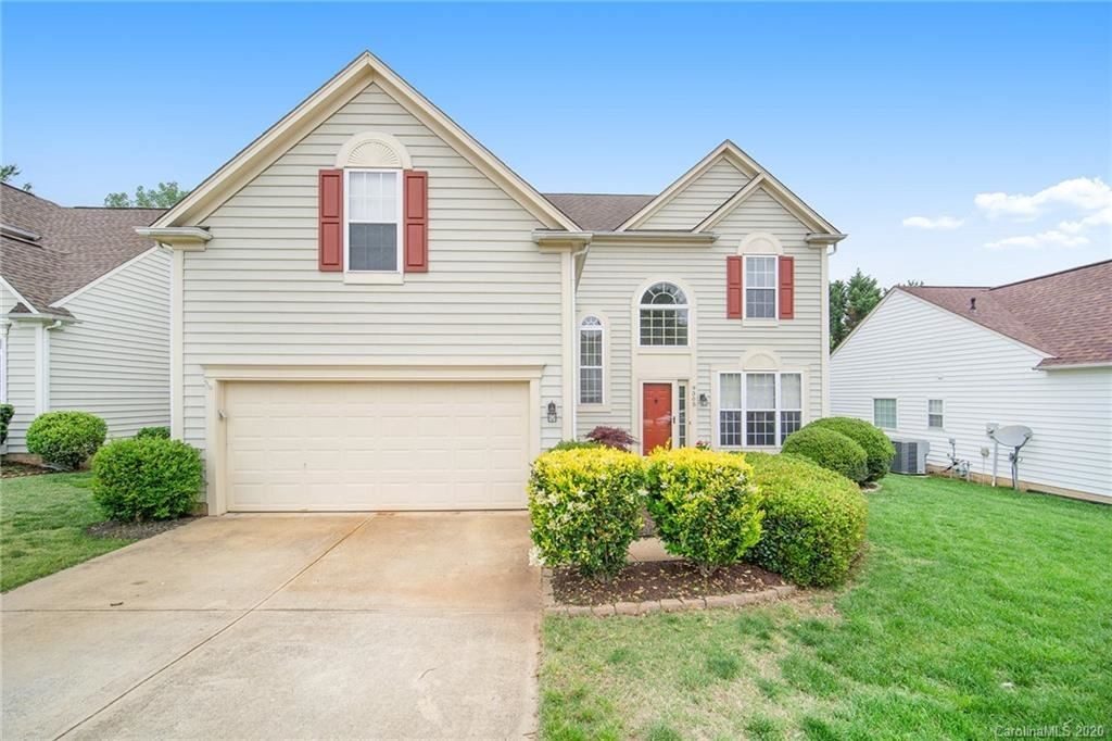 Property Image Of 9305 Shepparton Drive In Huntersville, Nc