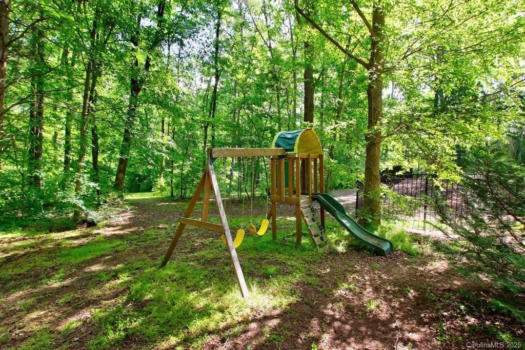 Property Image Of 690 Arrow Point Lane In Davidson, Nc