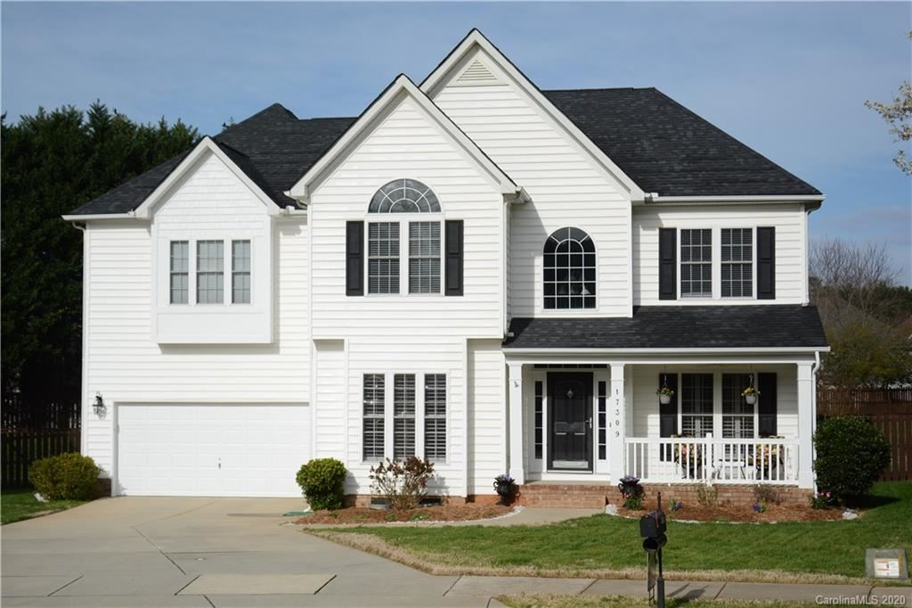Property Image Of 17309 Knoxwood Drive In Huntersville, Nc