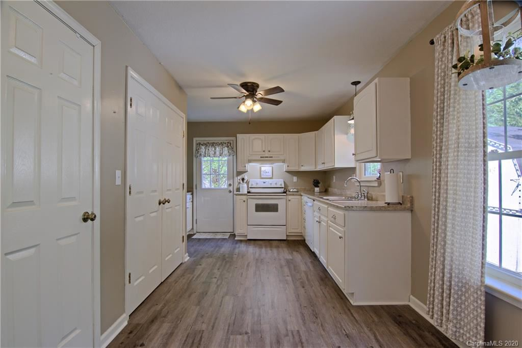 Property Image Of 137 Forest Bend Drive In Horse Shoe, Nc
