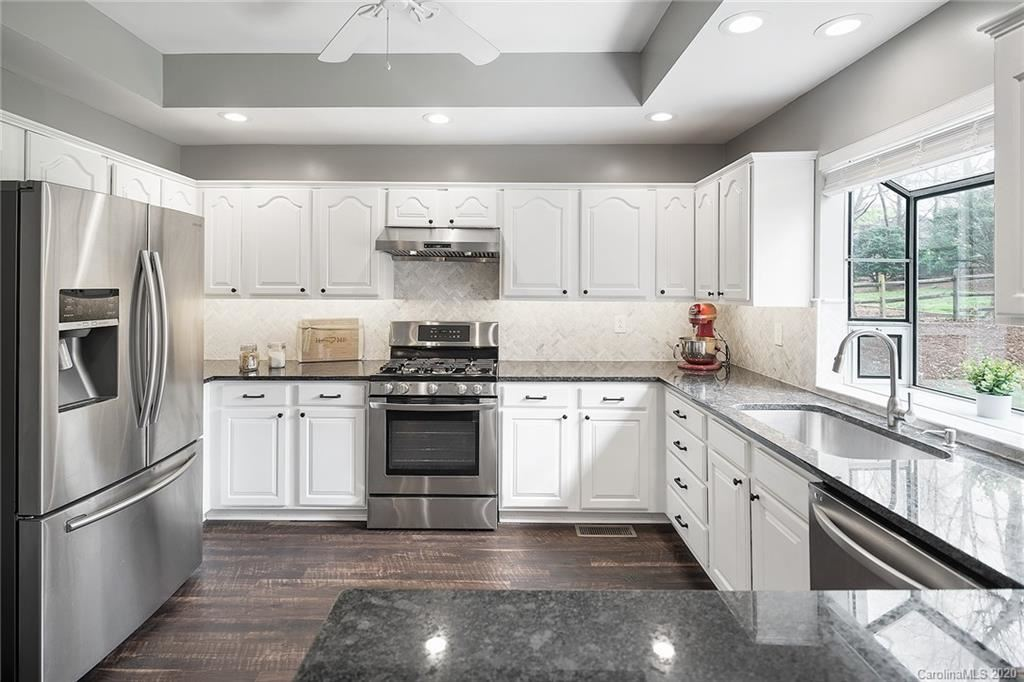 Property Image Of 12512 Cliffcreek Drive In Huntersville, Nc