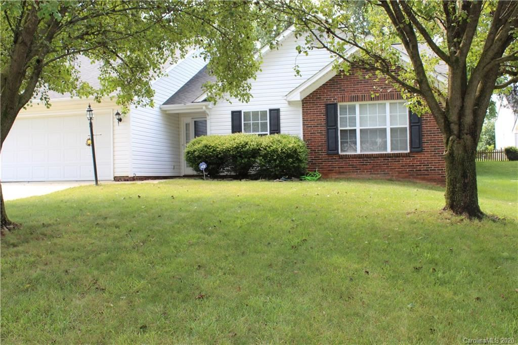 Property Image Of 12504 Autumn Blaze Drive In Charlotte, Nc