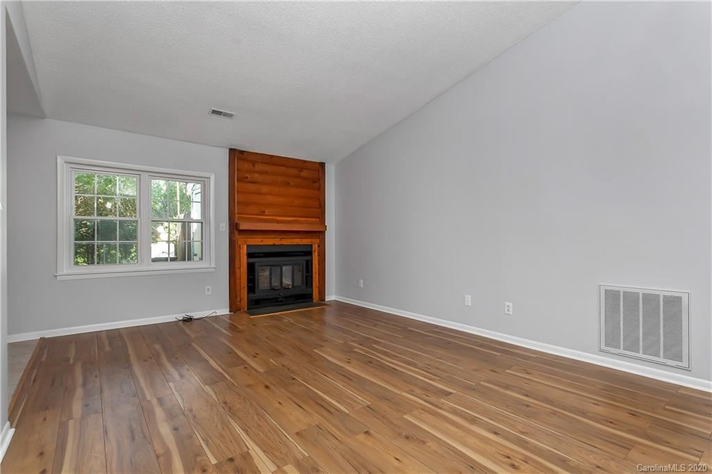 Property Image Of 6422 Pineburr Road In Charlotte, Nc