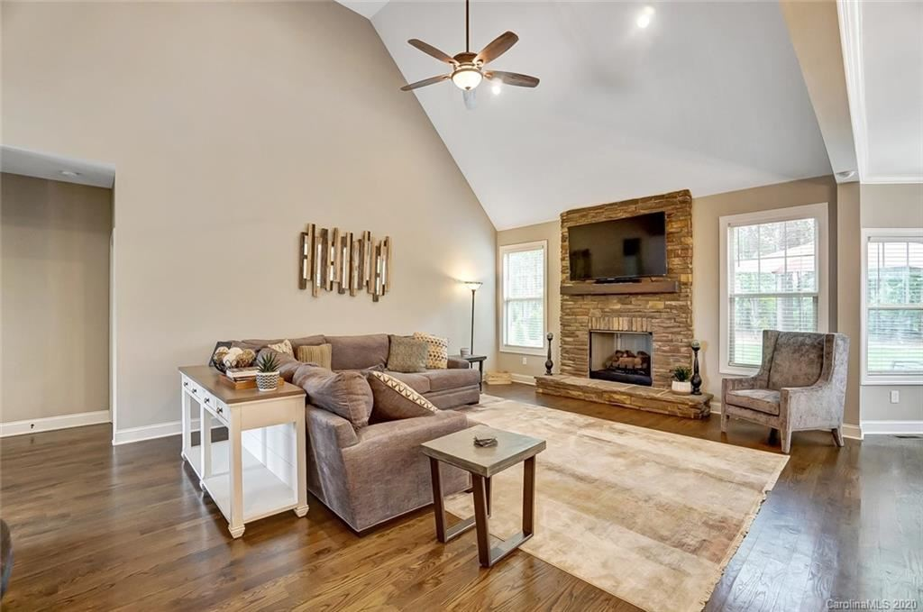 Property Image Of 242 Oak Tree Road In Mooresville, Nc