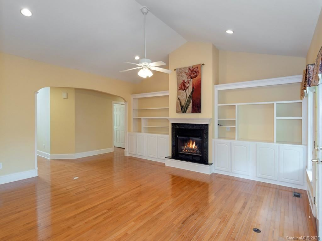 Property Image Of 120 Cold Stream Way In Hendersonville, Nc