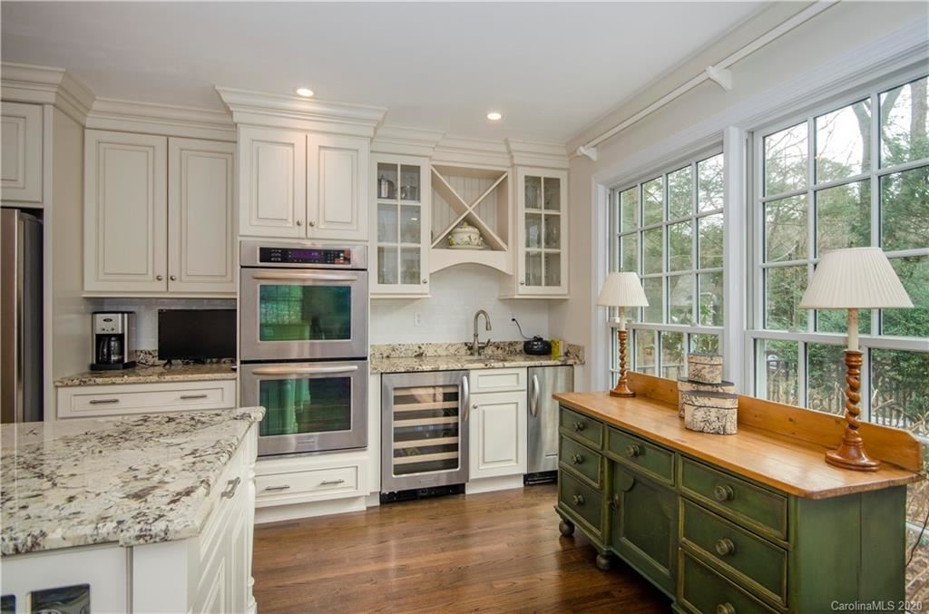 Property Image Of 12 Lone Pine Road In Asheville, Nc