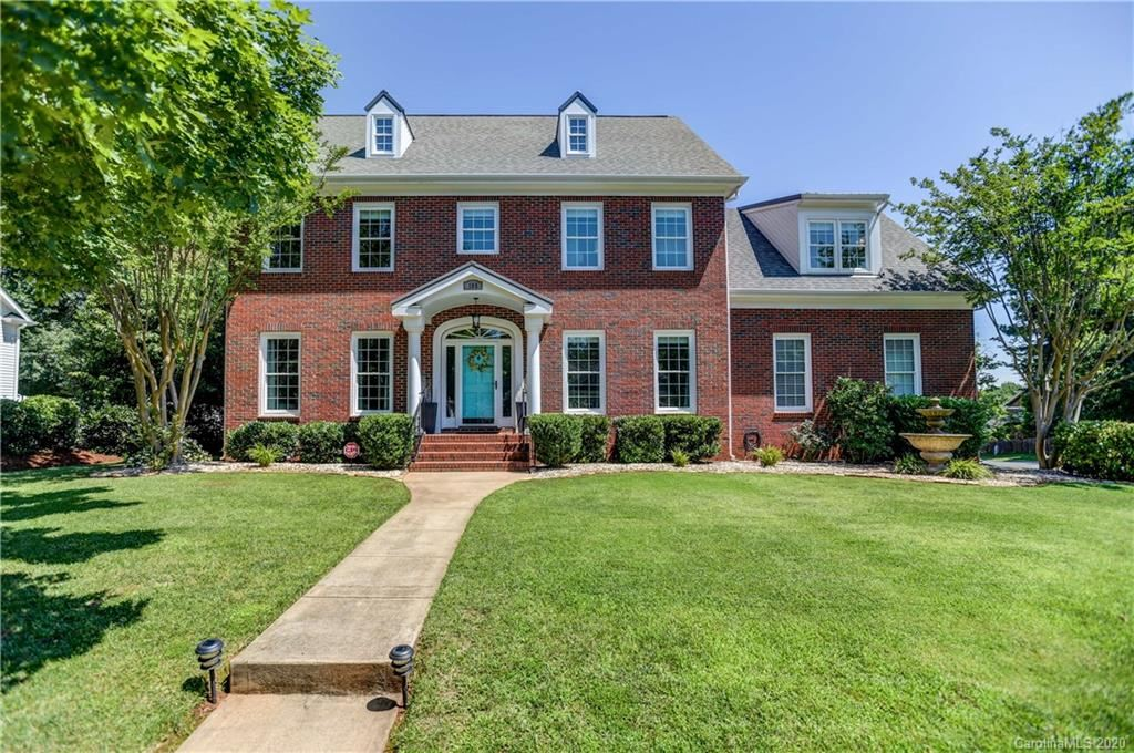 Property Image Of 105 N Downing Street In Davidson, Nc
