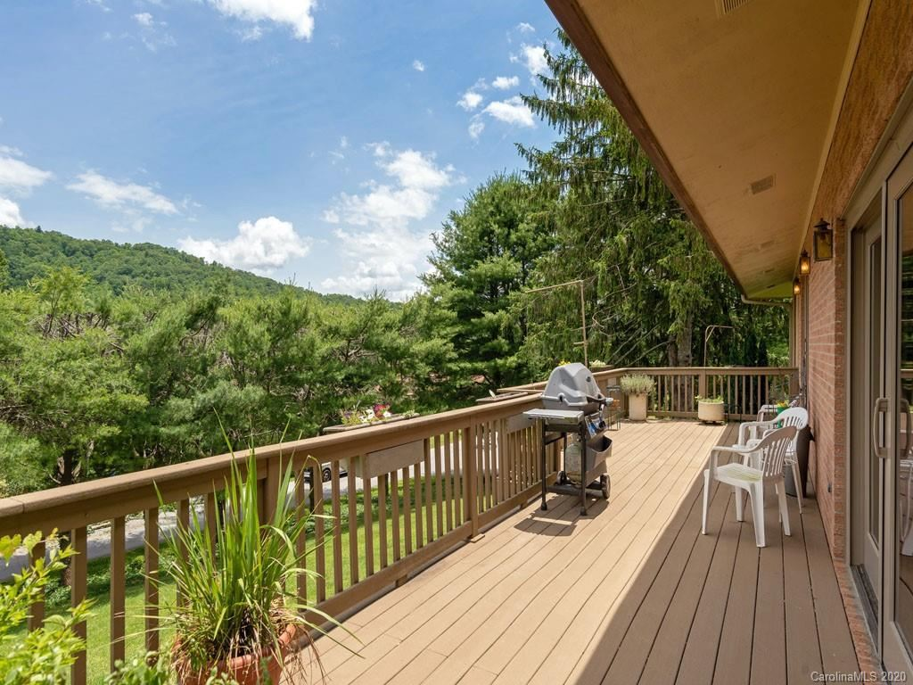 Property Image Of 220 Northfield Court In Hendersonville, Nc
