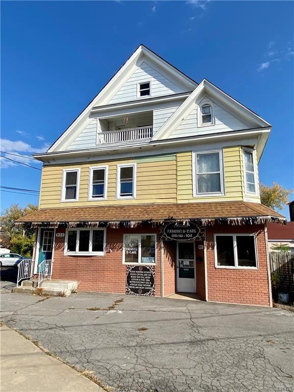 823  Albany Street,