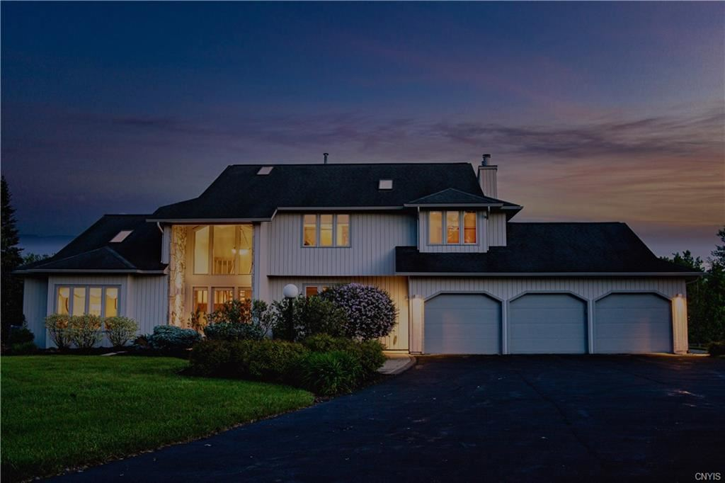 Lysander                                                                      , NY - $624,900
