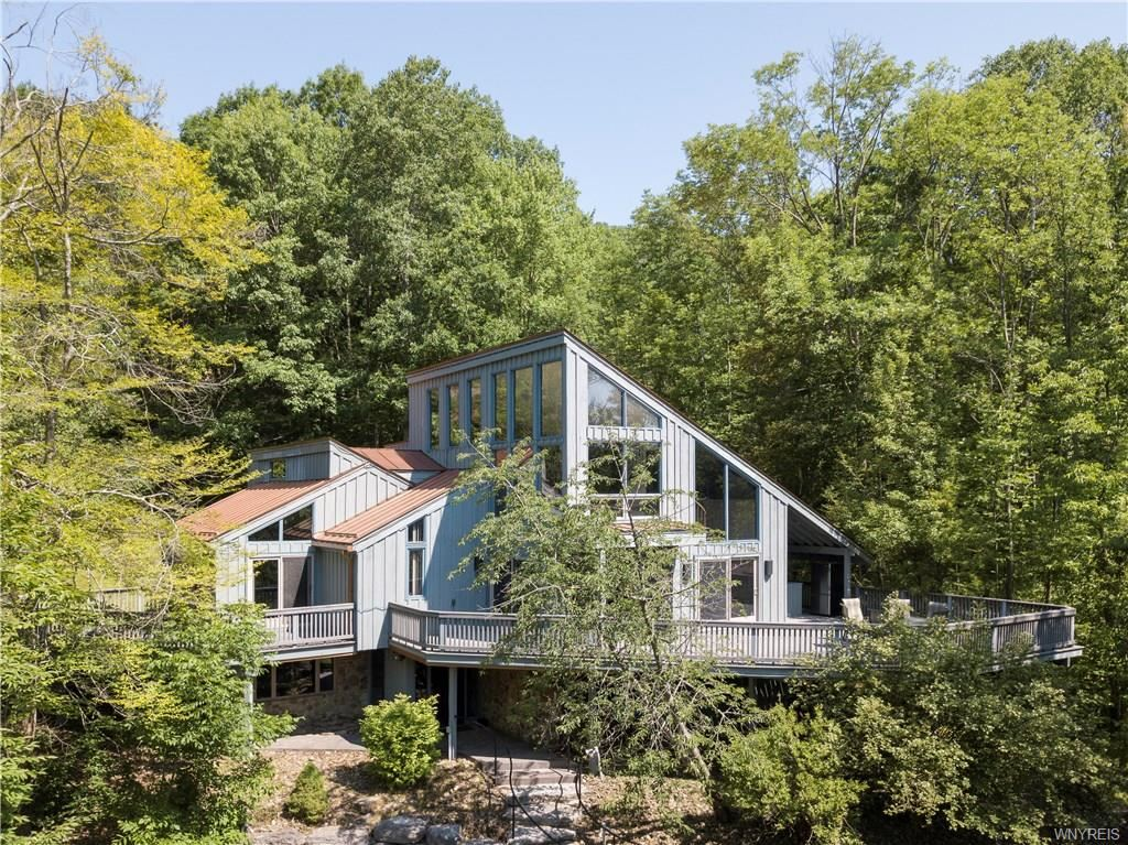6678  Holiday Valley Road, Ellicottville