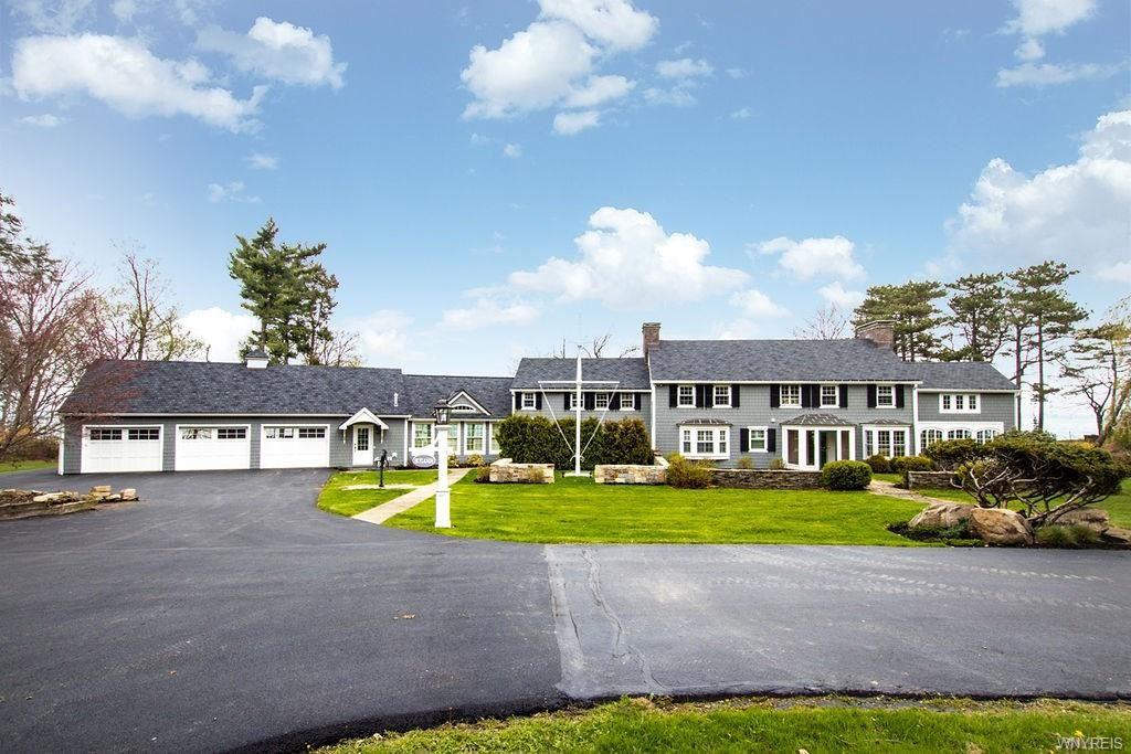 7000 Lake Shore Road, Evans