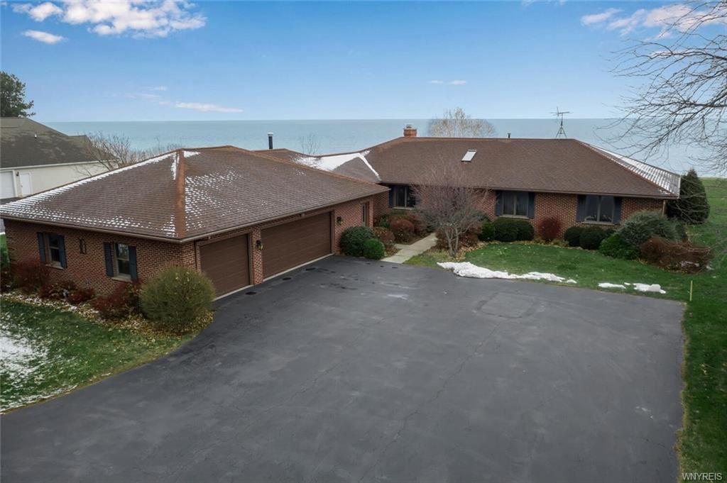 4961  E Lake Road,