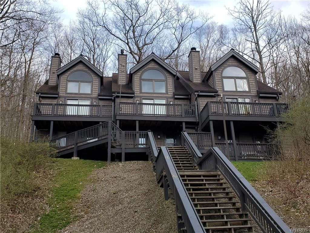 62  Valley View Rd-The Woods,