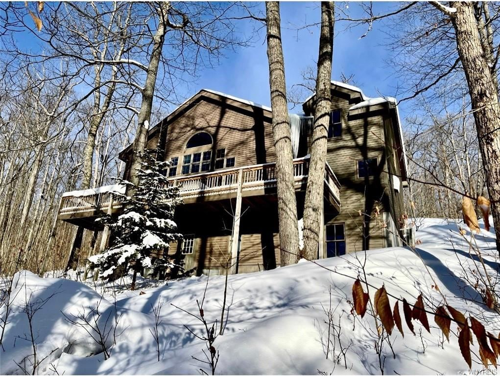 6835 Holiday Valley Road, Ellicottville
