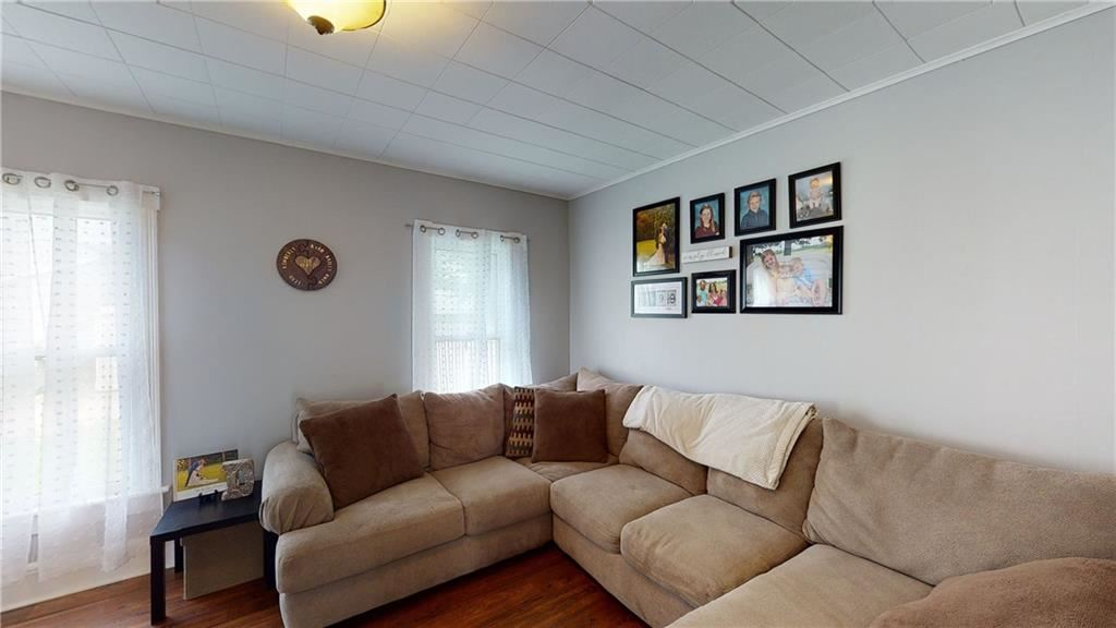 Property Image Of 125 W Gibson Street In Canandaigua, Ny