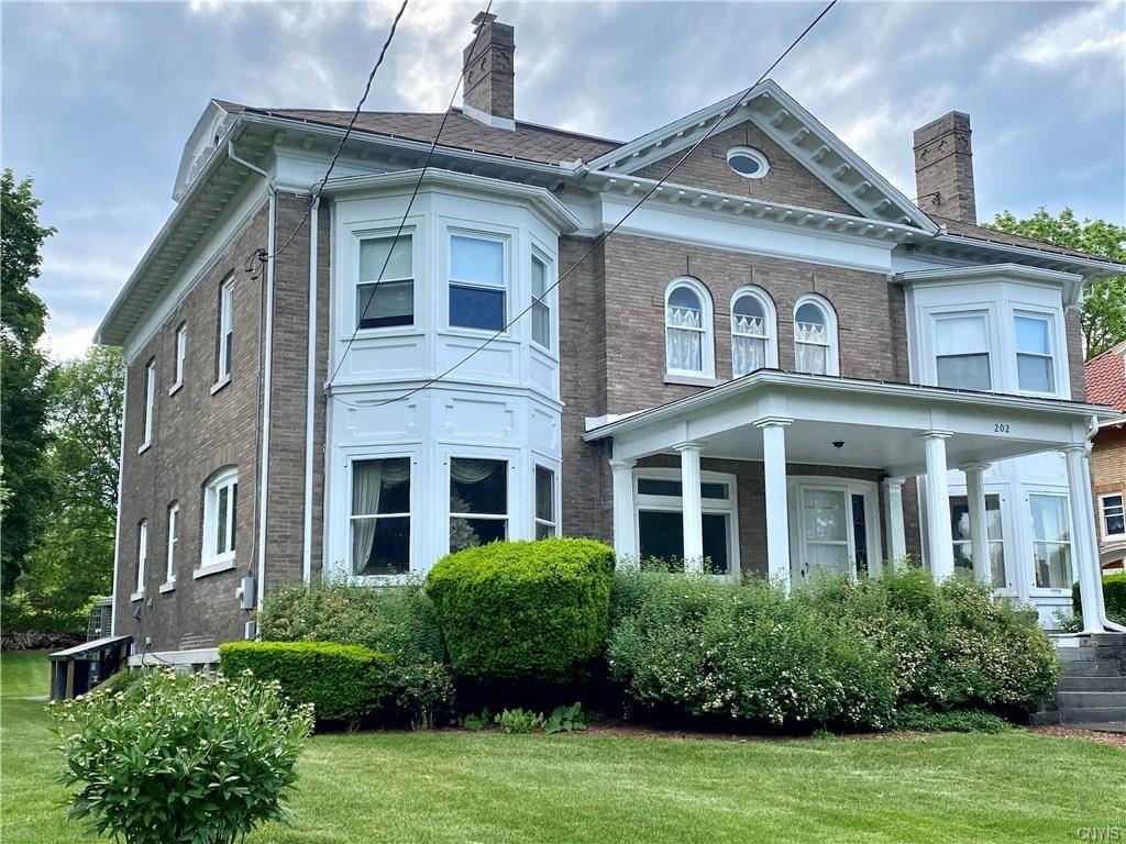 Syracuse                                                                      , NY - $279,000