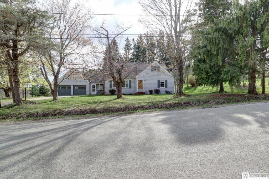 5061 Stoneledge Road, North Harmony