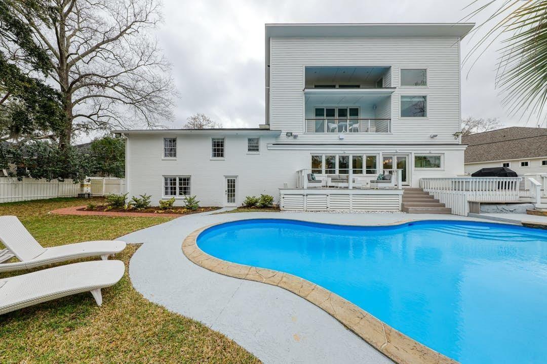 Charleston                                                                      , SC - $1,295,000