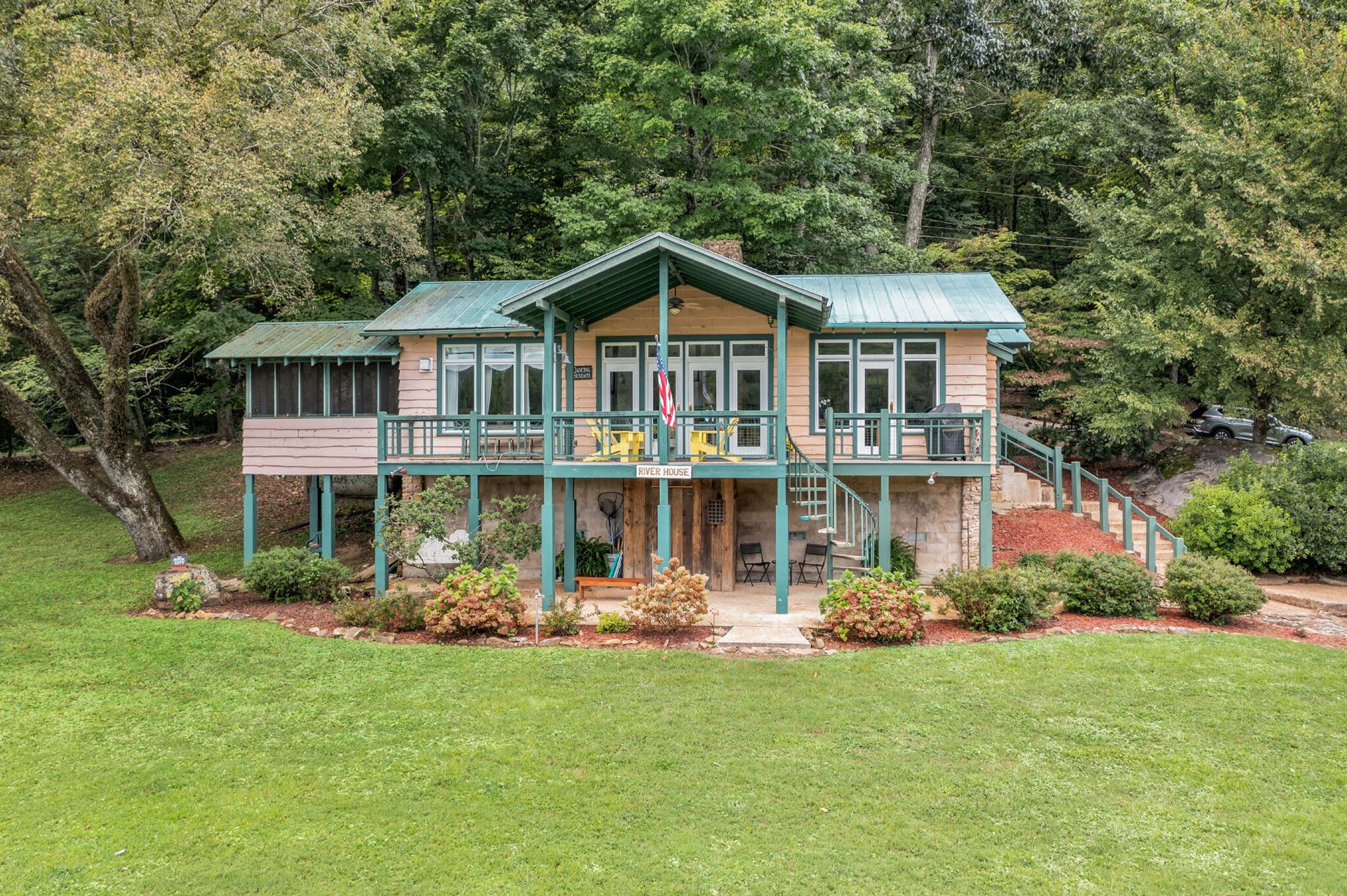 Chattanooga                                                                      , TN - $1,200,000