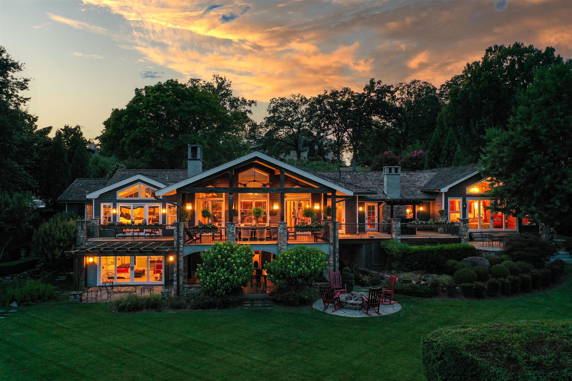 Chattanooga                                                                      , TN - $3,280,000