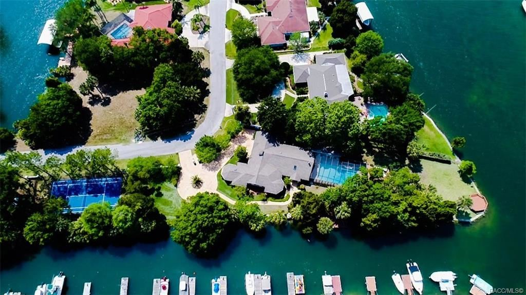 Crystal River                                                                      , FL - $689,000