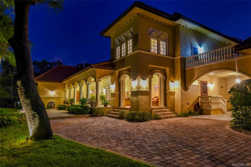 Crystal River                                                                      , FL - $1,350,000