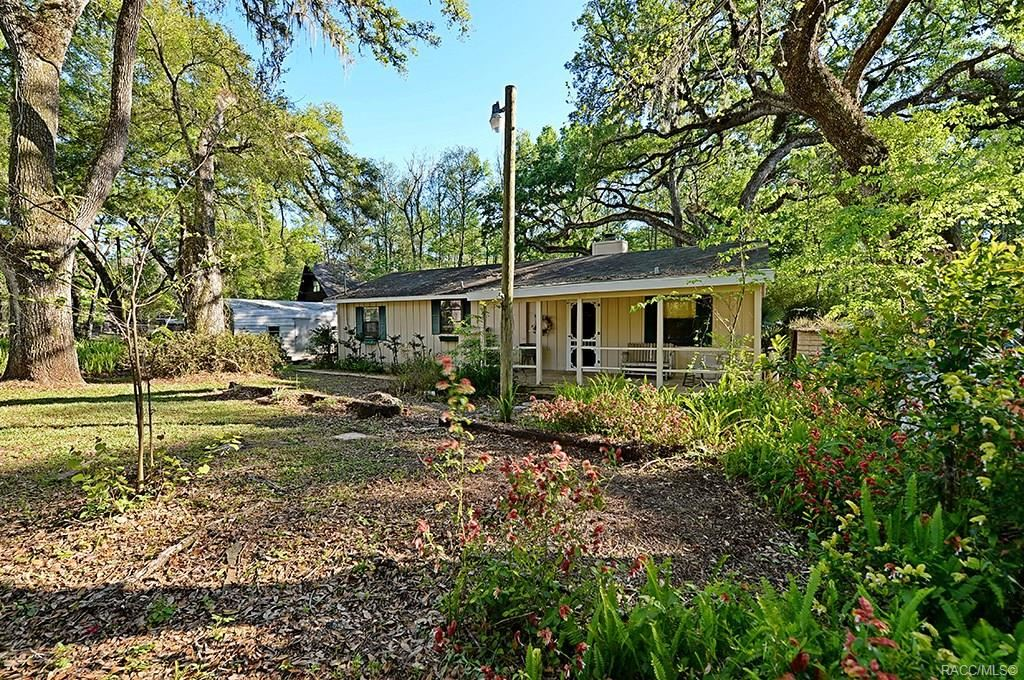 Property Image Of 8320 County Road 647 In Bushnell, Fl