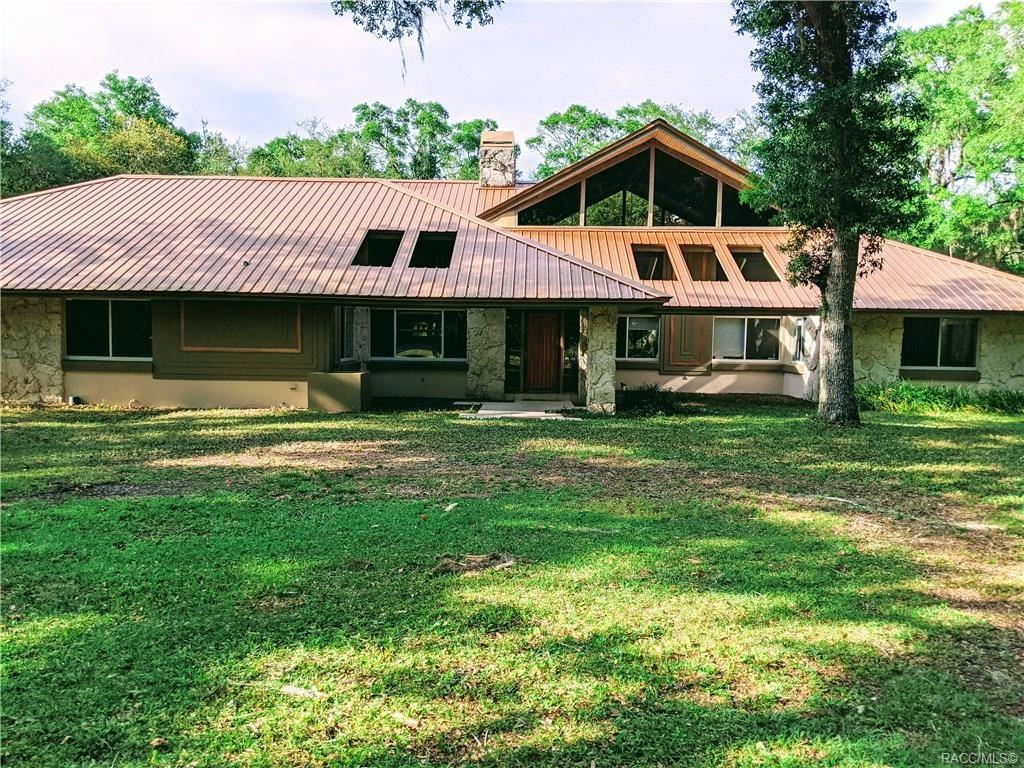 Crystal River                                                                      , FL - $749,000
