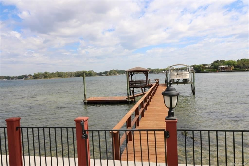 Crystal River                                                                      , FL - $695,000