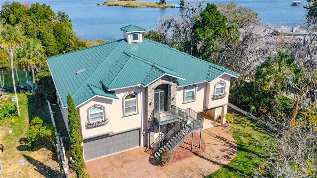 Crystal River                                                                      , FL - $989,000